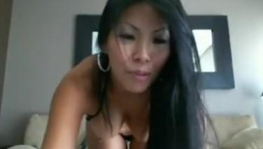 Asian bikini beauty poses on webcam