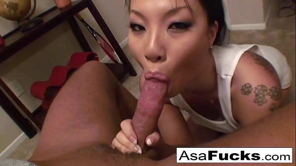 Asa Akira gives an amazing deep throat blowjob